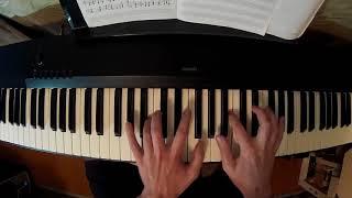 Учусь играть на пианино восьмой месяц, короткое и ломаное арпеджио ми мажор