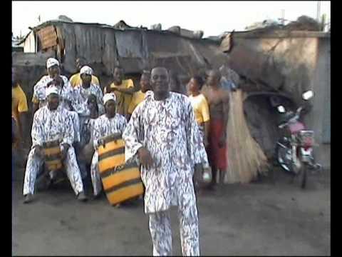 Ballet Kini-Kini du Bénin dans Toba video1