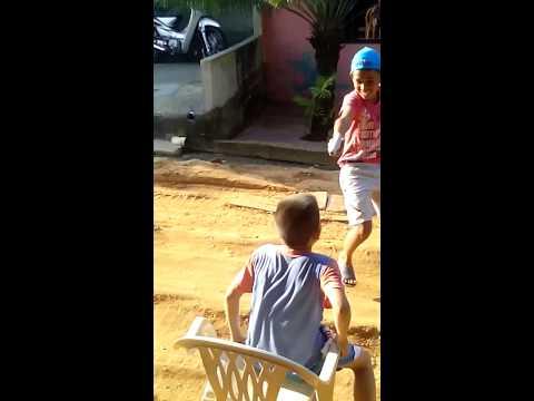 Matan a un niño descuidado