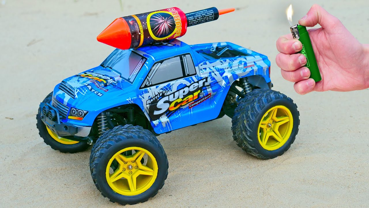 Experiment: XXL Rocket with RC Monster Truck