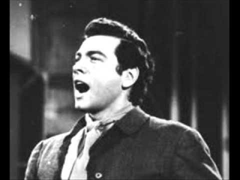 Mario Lanza Sings