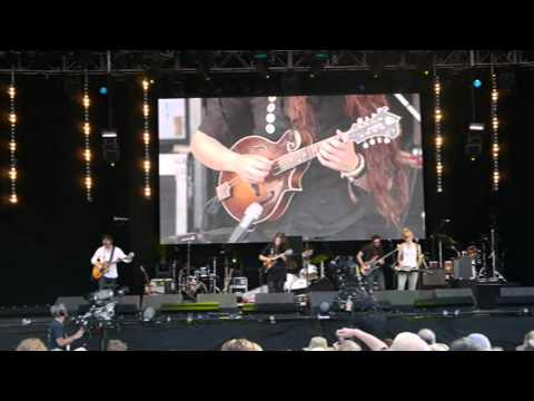 Larkin Poe at the Cropredy Festival 2012