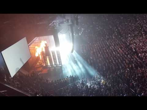 D.N.A- Kendrick Lamar  live Phoenix