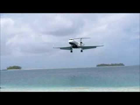 Gulfstream landing at Palmyra Atoll
