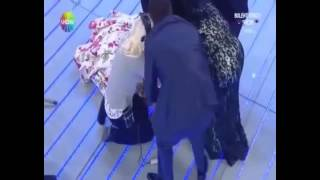 Bülent Ersoy Canlı Yayında Bayıldı. 2017 Video