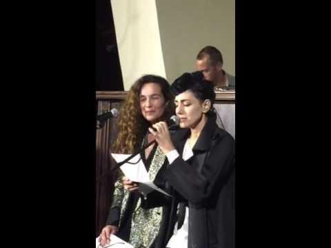 Ronit Elkabetz et Yael Abecassis rendent hommage aux victimes des attentats de Paris