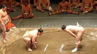 平成26年4月29日(火)、両国・国技館で行われた公開稽古総見に行ってきま...