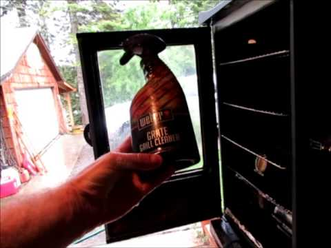 Cleaning The Glass On A Masterbuilt Window Smoker Youtube