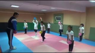 "Урок физкультуры в 1 ""Б"" классе ЧШ ""Сенім"""