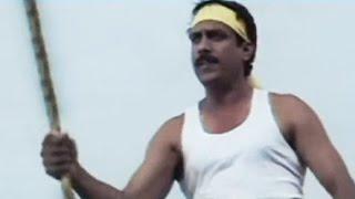 Hindi Dubbed Movie 'Main Hoon Khunkar Yodha'   Hero Fighting with Sarkar