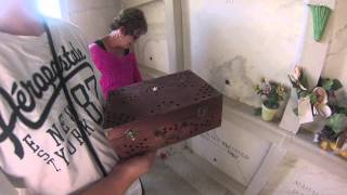 Spirit Communication inside a Tomb  - Real time direct response. Huff Paranormal