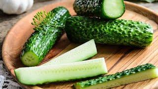 Как приготовить МАЛОСОЛЬНЫЕ ОГУРЦЫ - 2 рецепта приготовления огурцов🍴Жизнь - Вкусная!
