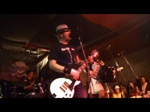 The Mahones - Ghost Of A Whiskey Devil (Badalona, Estraperlo, 16/02/2013) mp3