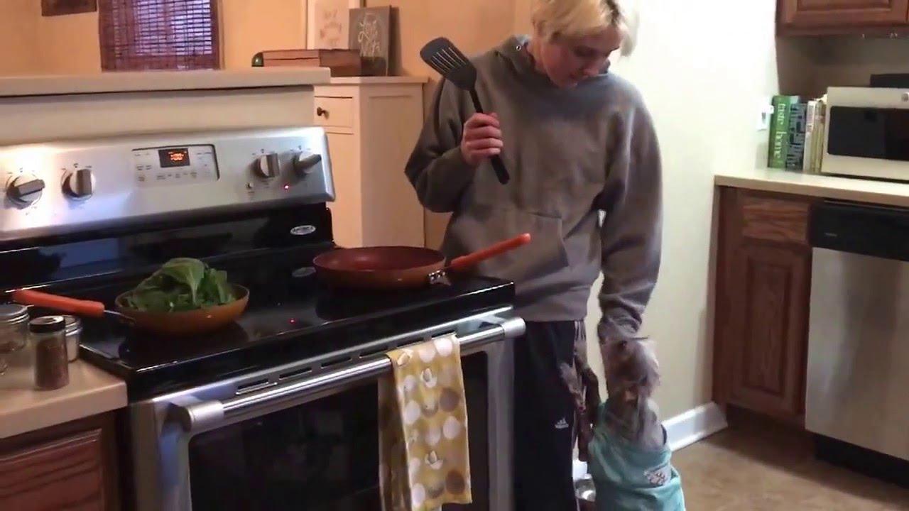 kitchen counter Lesbian