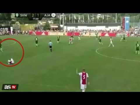 Ajax's Footballer Suffers A Heart Attack During Match