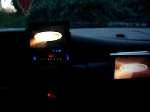 2 écrans autoradio ZENEC xt 7010+tv TRINITY ct V710