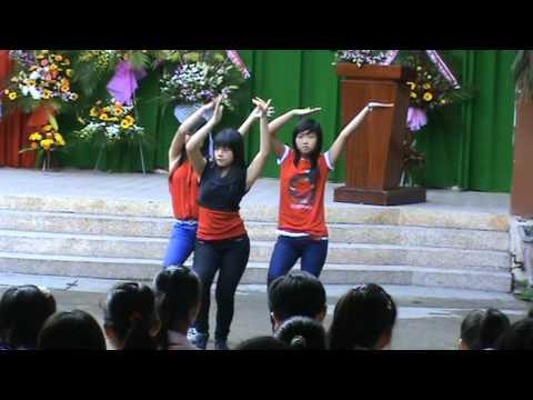 11192011 Văn nghệ trường THCS Trần Hưng Đạo - Lớp 9/5