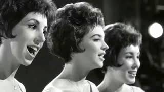 I Love How You Love Me  THE PARIS SISTERS  (with lyrics)