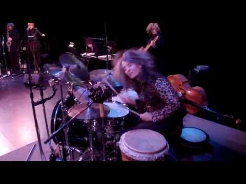 The Drummer Girl (Wild Women Don't Get the Blues - Ida Cox)
