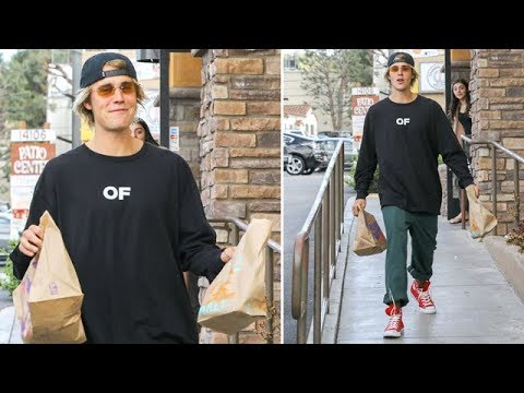 Justin Bieber Ducks Into The Taco Bell Ladies Room On His Way To Chris Brown's
