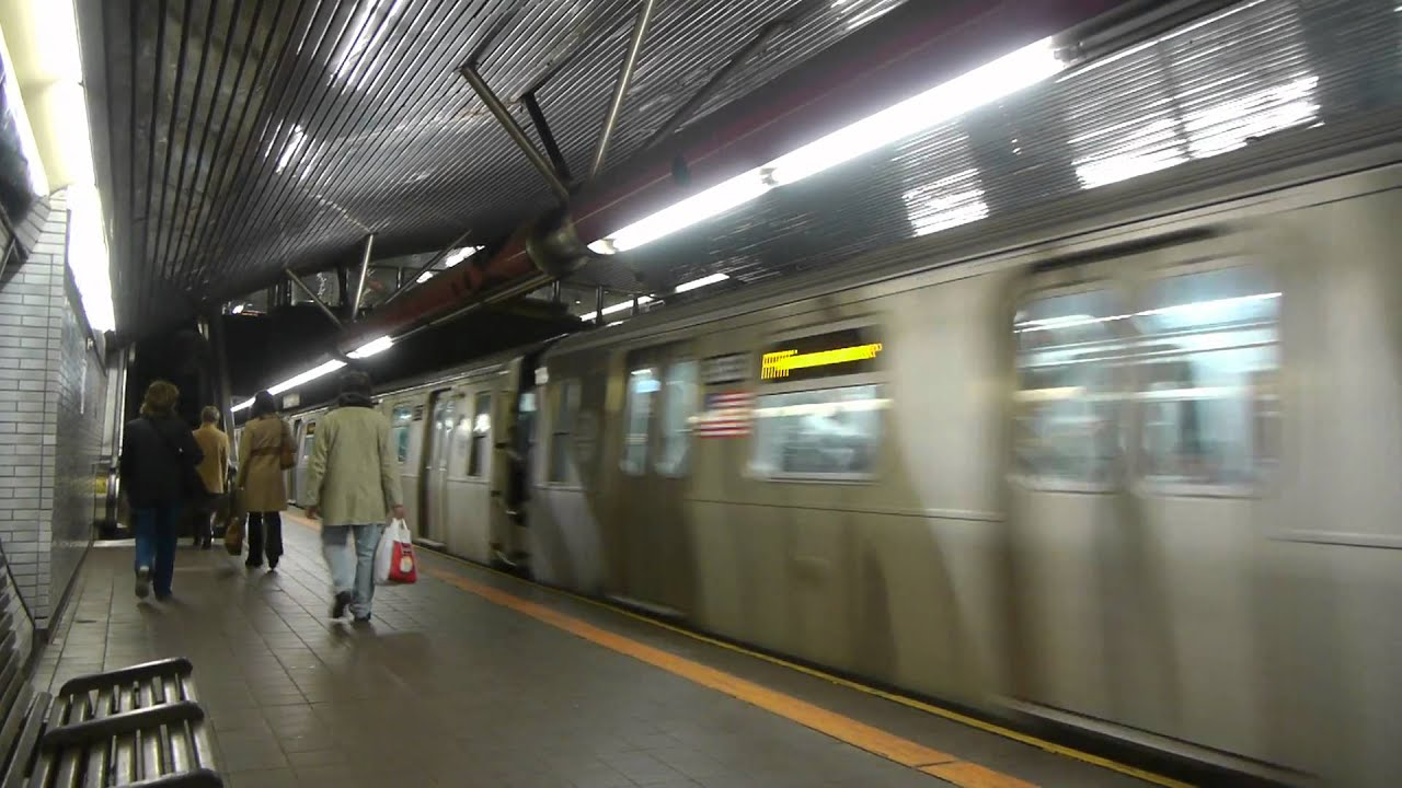 how to get to roosevelt island by train
