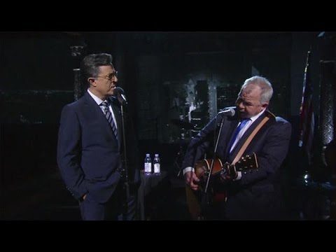 Stephen Colbert and John Prine perform 'That's the Way That the World Goes 'Round'