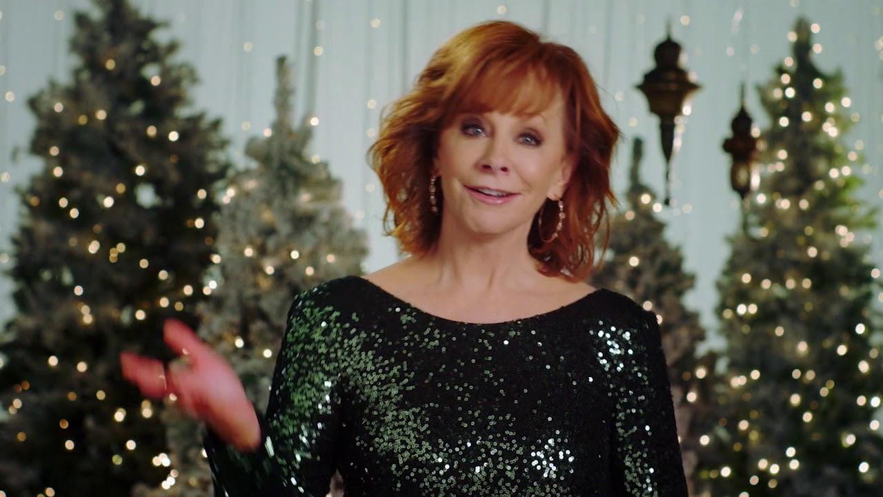 Reba Hosts CMA Country Christmas November 27th on ABC - YouTube
