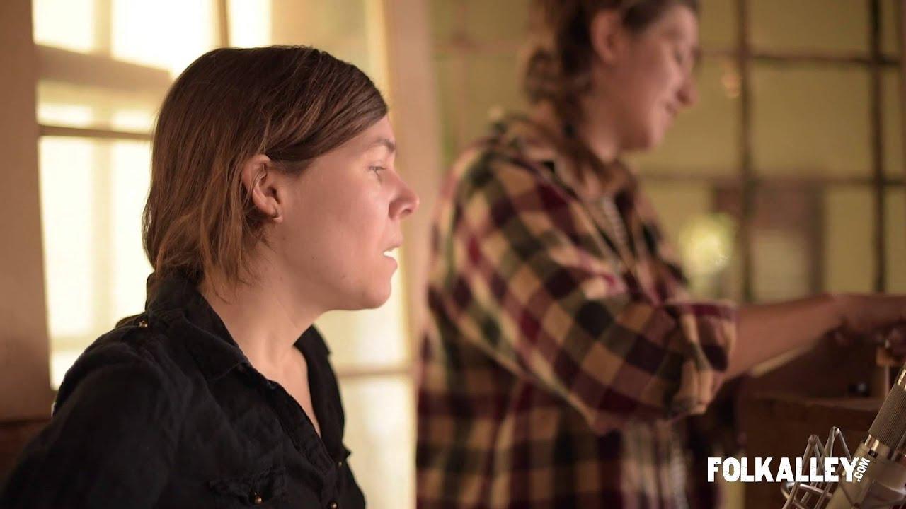 Folk Alley Sessions: Anna & Elizabeth -
