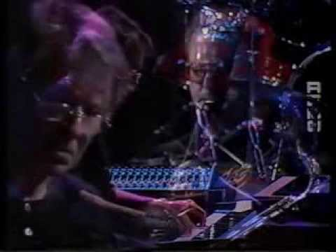 Dave Grusin and Lee Ritenour - Tootsie Theme Live from Bergen with Amazing piano solo