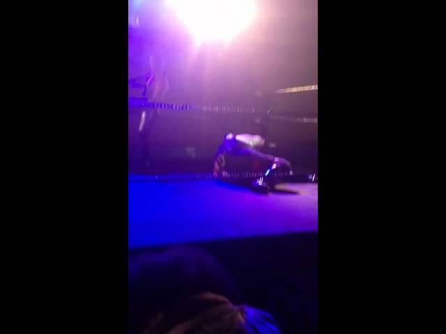 Slamaluna - cirque bodyguard wrestling