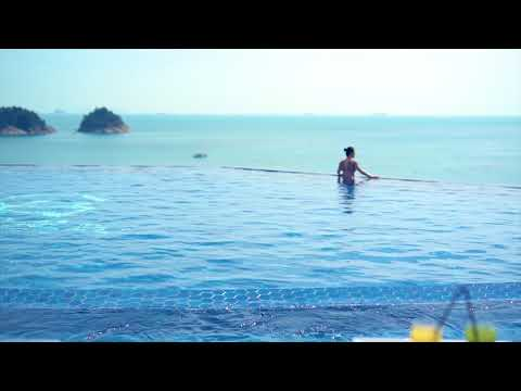 Le Grand Bleu - Super-Yacht from YouTube · Duration:  2 minutes 32 seconds