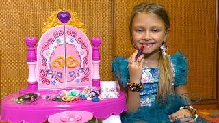 ПОДАРОК СЮРПРИЗ для Ярославы! Детский игровой набор - Столик для макияжа!