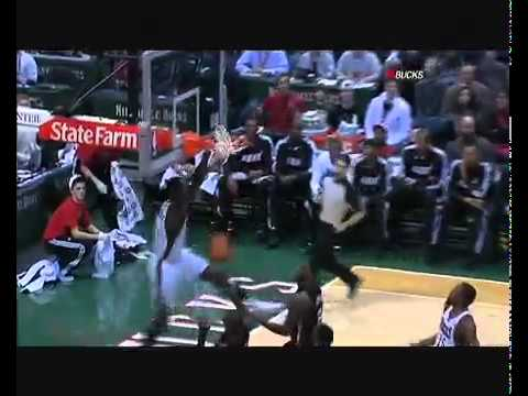 Dunk of the Night: Brandon Jennings Alley-Oop to Larry Sanders for the One-Handed Dunk