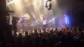 skip the use the story of gods and men live concert hp la cigale