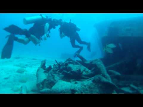 Scuba Diving in Cancun Ship Sunken - Buceo en Cancun Barco Hundido