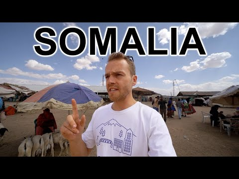 WALKING STREETS OF SOMALIA (You won't believe it's Somalia)