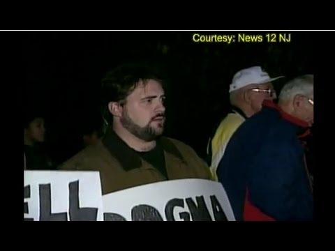 "TIL that when group of catholics protested in New Jersey against the movie ""Dogma"", the director Kevin Smith joined them incognito with a sign ""f*** Dogma, and actually gave a brief interview for local news station against the movie"