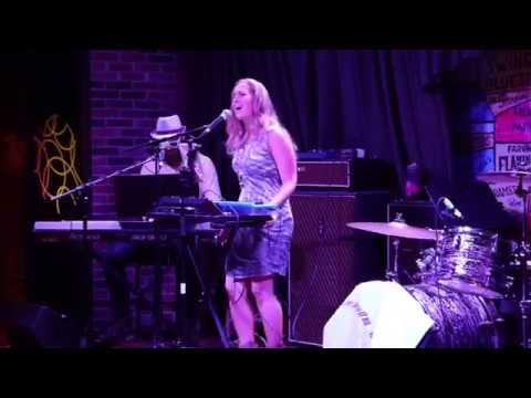 Nicole Corris - Albatross Air - Classic Rock Highlights