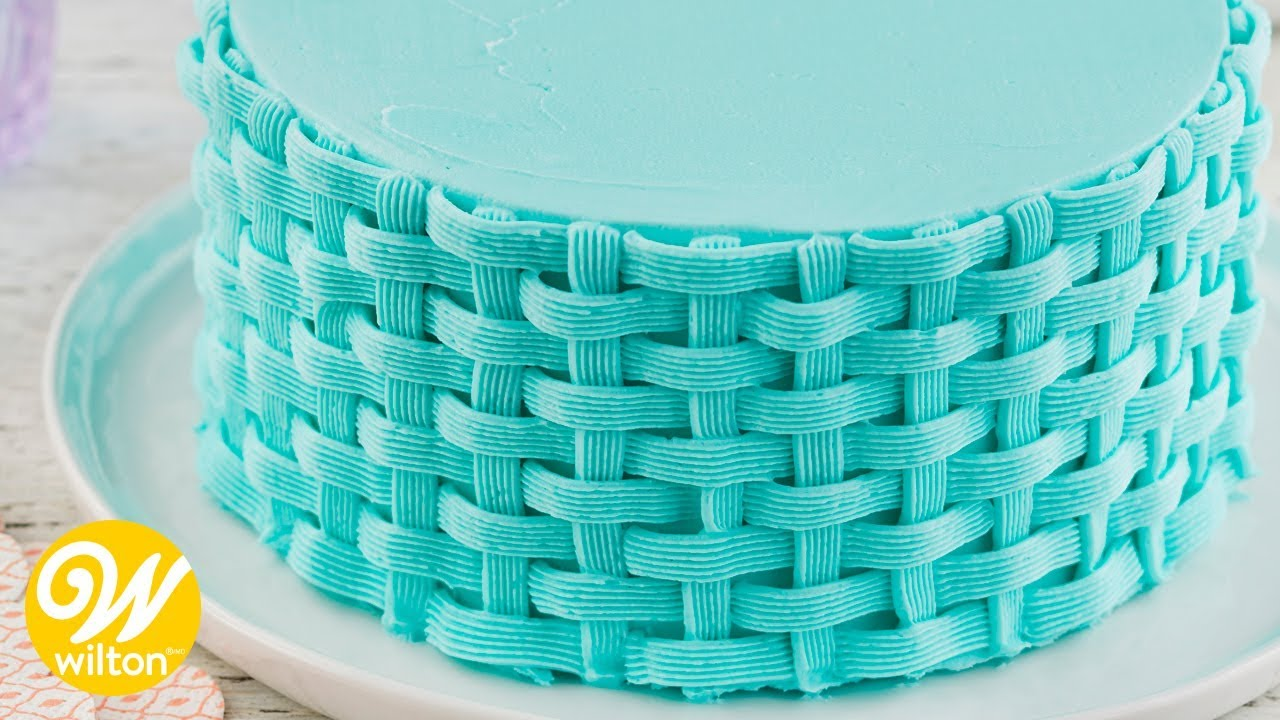 How To Pipe A Buttercream Basketweave Cake Design Wilton Youtube