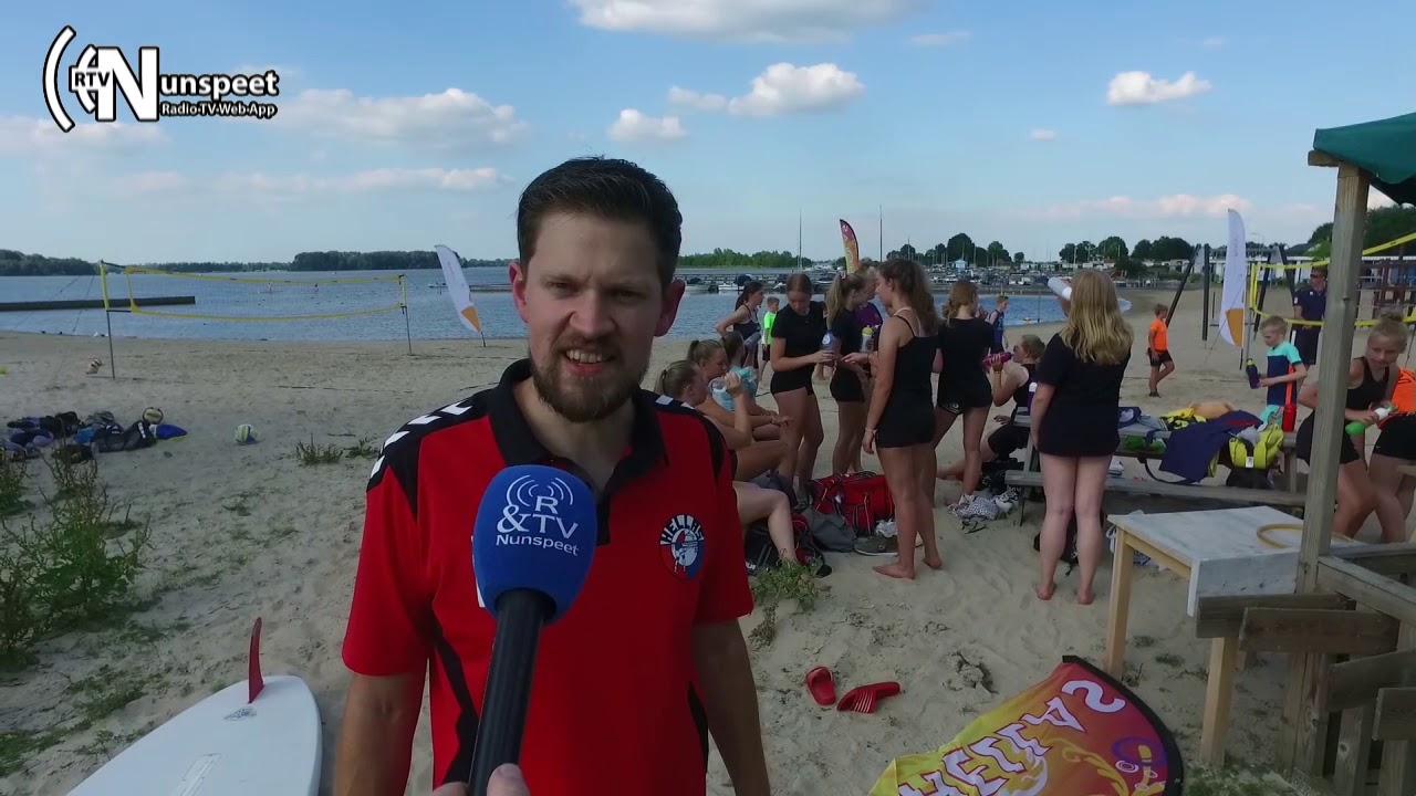 Beachvolleybalinternationals geven clinic bij