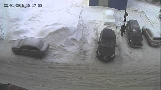 двое школьников пытались вскрыть машину...(, 2016-01-23T10:40:26.000Z)