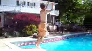 Gainer into pool