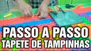 Como fazer um tapete usando tampinhas de garrafas pet