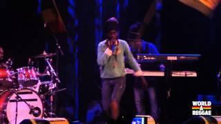Sizzla & the Firehouse Crew live 2012 @ Melkweg, Amsterdam - Praise Ye Jah