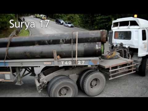 Truck UD Bermuatan Besi Nanjak Sitinjau Lauik