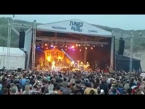 UB40 @ Tunes in the dunes. Homely girl.