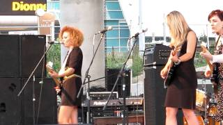 Girls With Guitars - Leaving Chicago