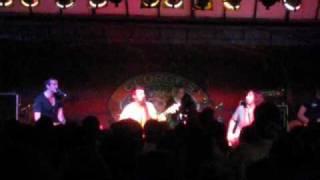 Kris Allen performing