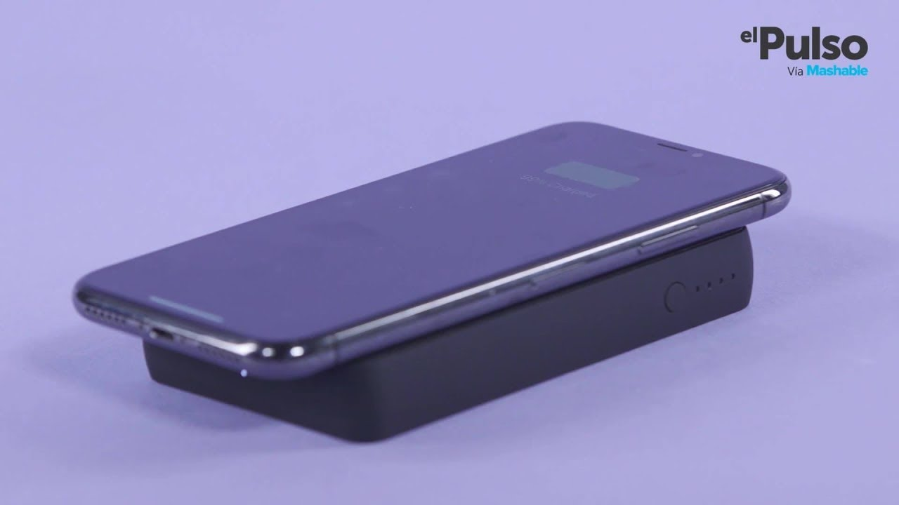 more photos 89d64 c6bb4 This Wireless Mophie Smartphone Charger Is Sleek and Powerful