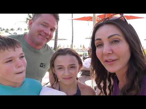 HAWAIIAN UNDERWATER YOGA CHALLENGE | We Are The Davises